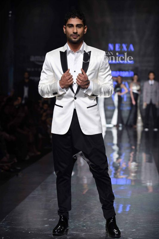 Prateik Babbar was one of the celebrities who walked the ramp.
