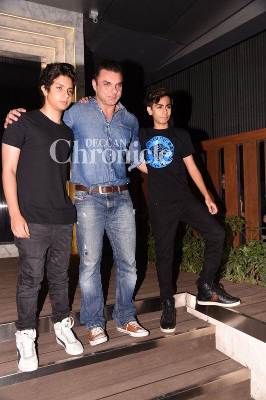 Seema's husband Sohail Khan arrived with his son Nirvan and nephew Arhaan for the bash.