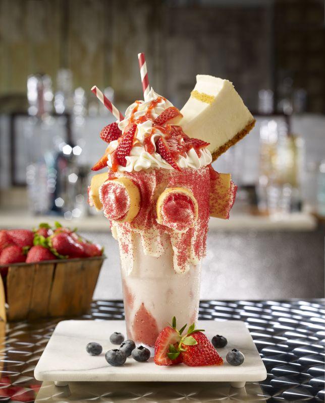 Strawberry Cheesecake Extreme Shake