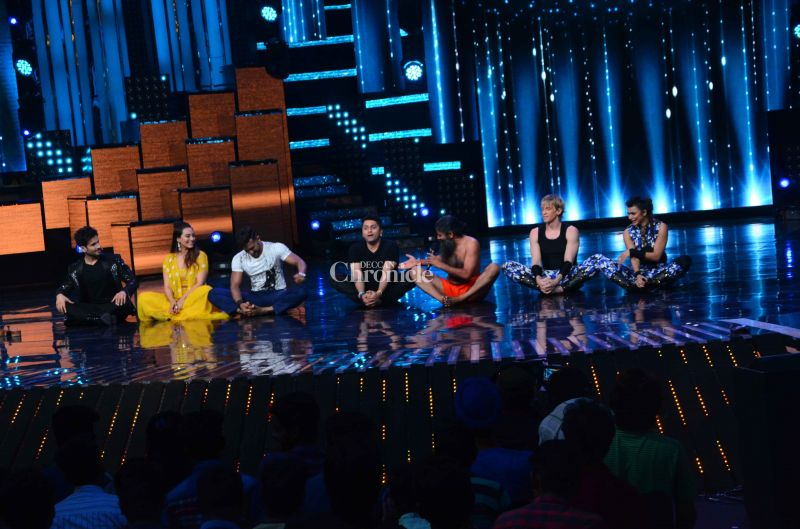 All the judges joined Baba on the stage for a yoga session.