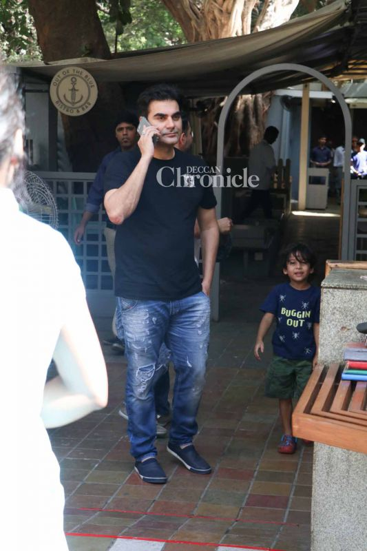 Arbaaz was spotted along with Malaika Arora Khan and her family for an get-together in Khar.