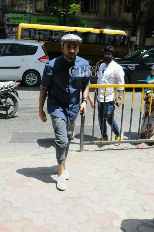 Vir Das was also snapped by the shutterbugs.