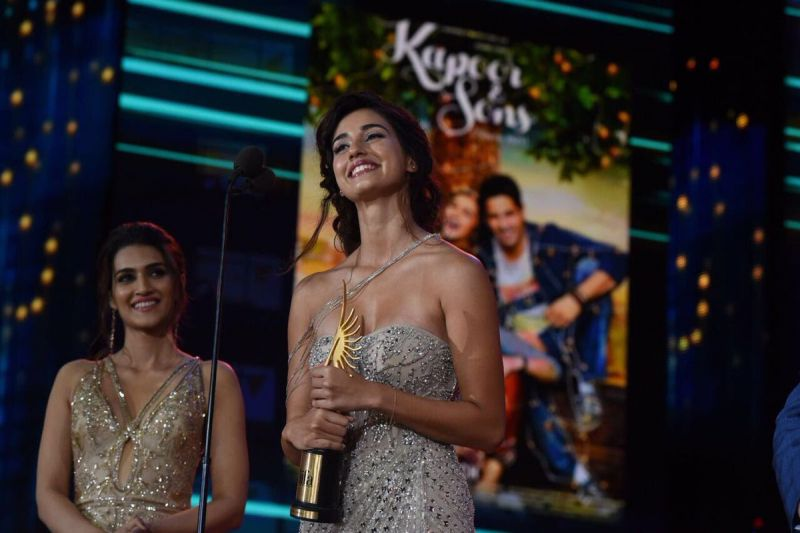 Disha Patani won the award for Best Debut Female for her role as Mahendra Singh Dhoni's girlfriend in 'MS Dhoni: The Untold Story.'