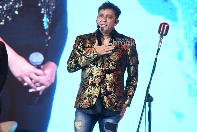 Sukhwinder Singh performed at the Kala Ghoda festival.
