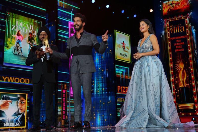 Shahid Kapoor bagged the award for Best Actor (Male) for his performance as a troubled rockstar in 'Udta Punjab.'