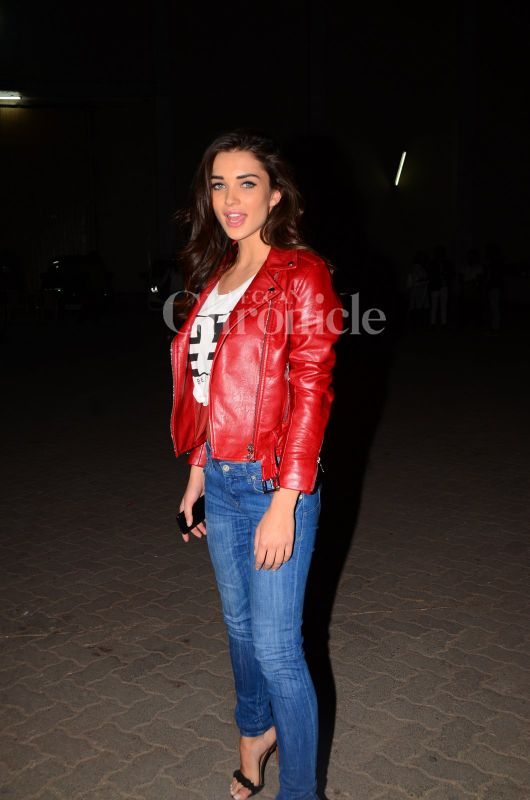 Later in the day, we also spotted Amy Jackson stepping out of the studio.