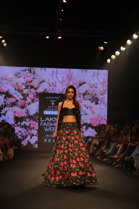 Kiara Advani as Julie Shah's showstopper at LFW 2018