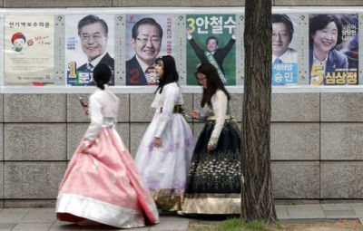 But for many South Korean voters, corruption, slowing growth, unemployment and even air pollution from China top the list of concerns. South Korea's rapid growth from the 1970s to 1990s pulled a war-ravaged nation out of poverty but slowed as the economy matured, and unemployment among under-30s is now at a record 10 percent. (Photo: AP)