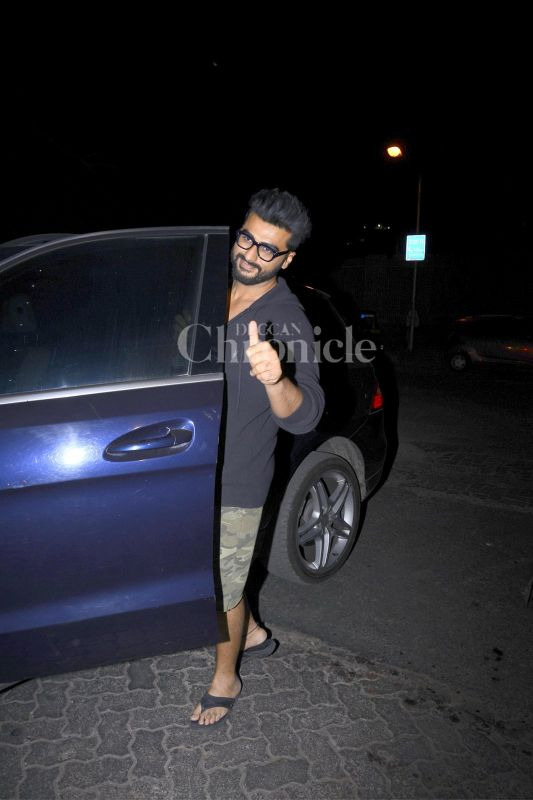 Arjun Kapoor smiled for the shutterbugs before stepping inside his car.