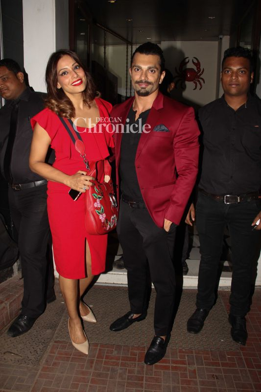 Bipasha Basu and Karan Singh Grover were seen celebrating Valentine's day together.