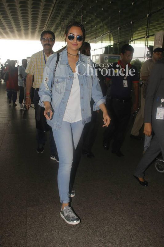 Sonakshi Sinha was all smiles as she arrived at the airport.