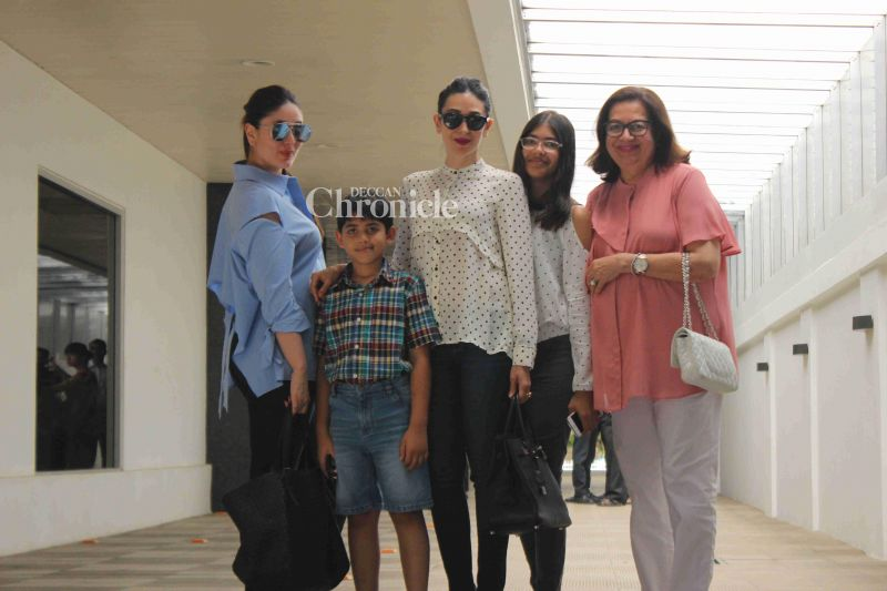 Karisma Kapoor and her kids Samiera and Kiaan were also present along with them.