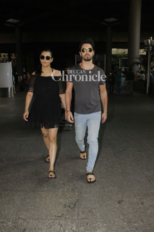 Shruti Haasan was snapped at the airport with a mystery guy.
