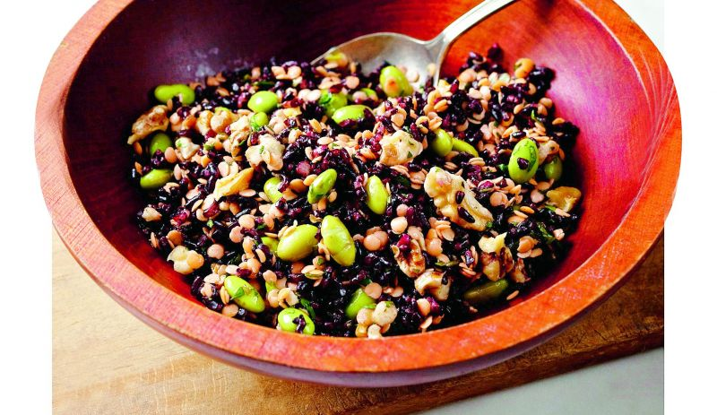 Crunchy black rice salad