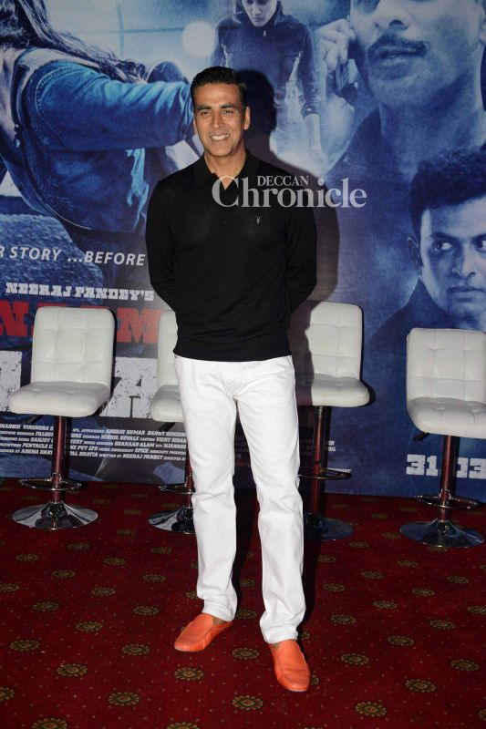 Akshay Kumar plays a cameo in the film.