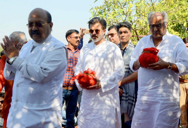 Emotional goodbye Boney and Anil Kapoor perform Sridevi's Ashti Visarjan in Haridwar