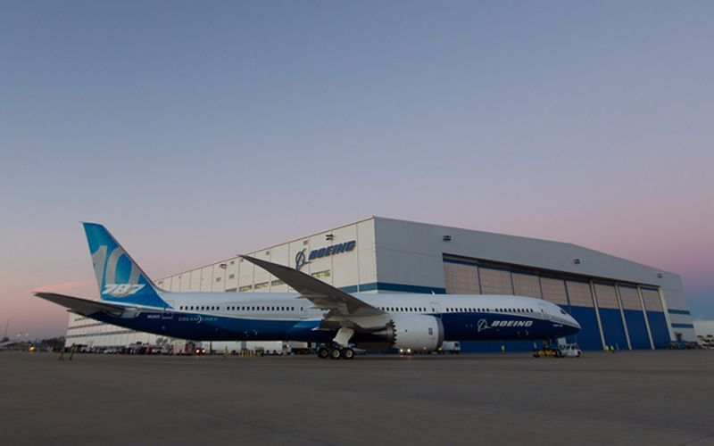 The Boeing 787-10 Dreamliner