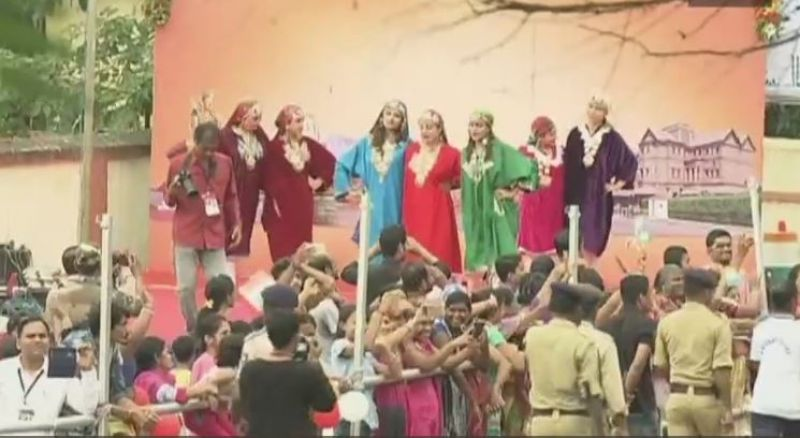 Cultural performances continue as Modi, Abe embark on road show. (Photo: ANI | Twitter)