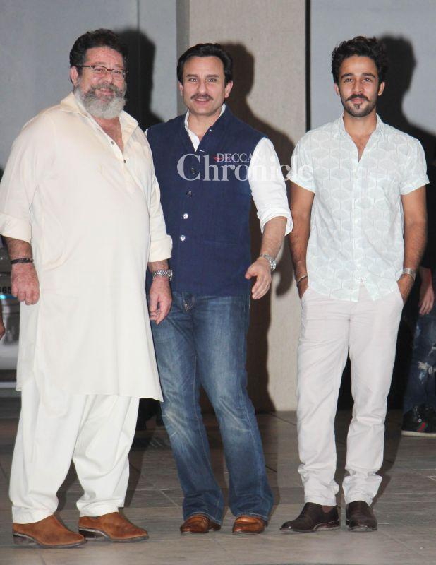 Saif poses with Kunal Kapoor, who is Kareena's uncle and Aadar Jain, her cousin.