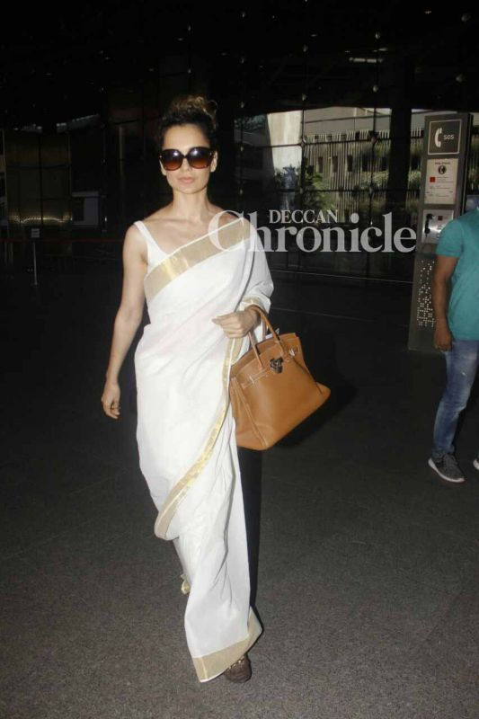 Kangana Ranaut looked stylish while making her way out of the airport.