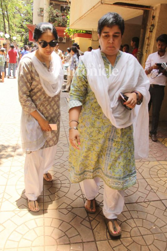 Aamir's first wife Reena Dutta was also spotted at the crematorium.