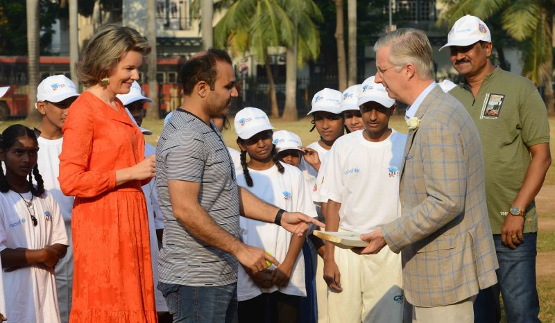 Virender Sehwag plays cricket with the royal couple of Belgium