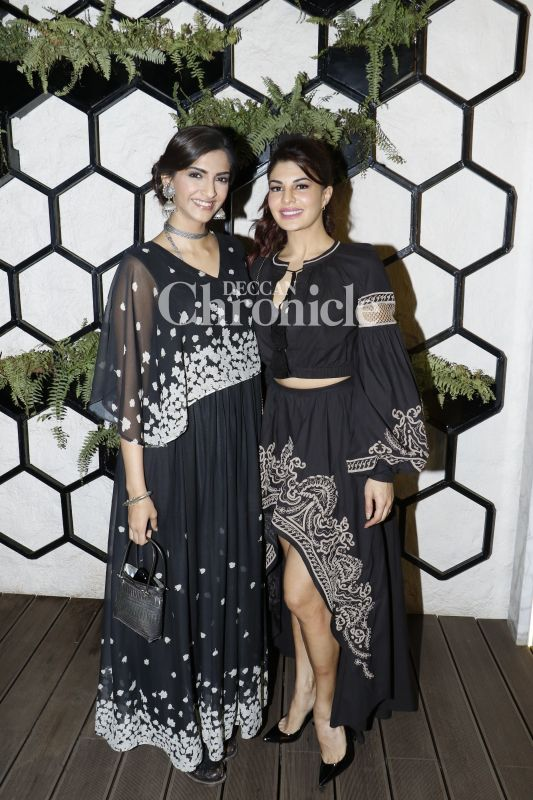 BFFs Jaqueline Fernandez and Sonam Kapoor twinned in their stunning black outfits.