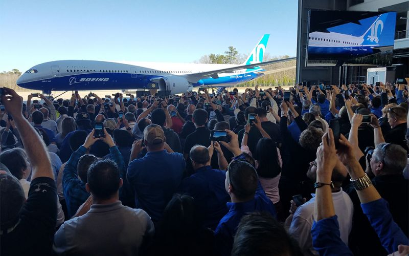 Thousands of employees at the North Charleston, S.C. site celebrated the event, along with US President Donald Trump and South Carolina Governor Henry McMaster.
