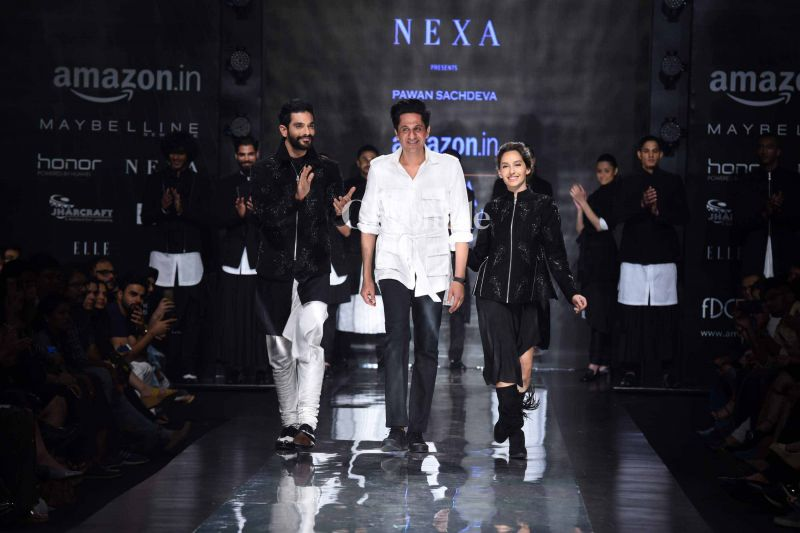 Angad and Nora, who are in a relationship, later walked together along with the designer.