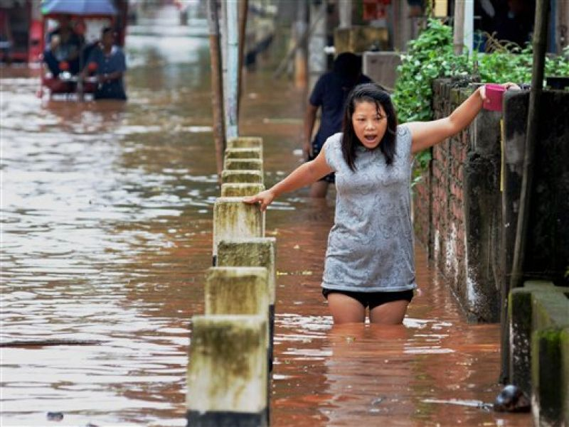 guwahati two or three heavy rainfalls Reasons you'll hate living in guwahati 1 artificial flood in guwahati, two or three heavy rainfalls in day wreck havoc in most of the areas of the city, creating water logging and traffic.