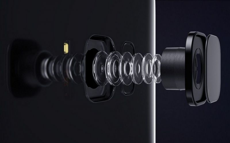 The rear camera in the S8 is a 12-megapixel unit with phase detection, Optical Image Stabilization with 4K recording capabilities.