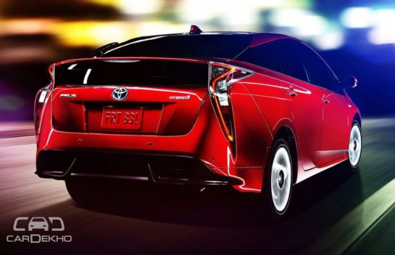 Toyota reduces prices for new Prius Plug