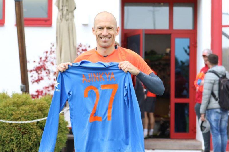 Arjen Robben received a return gift from Ajinkya Rahane, on Diwali. (Photo: Bayern Munich/ Facebook)