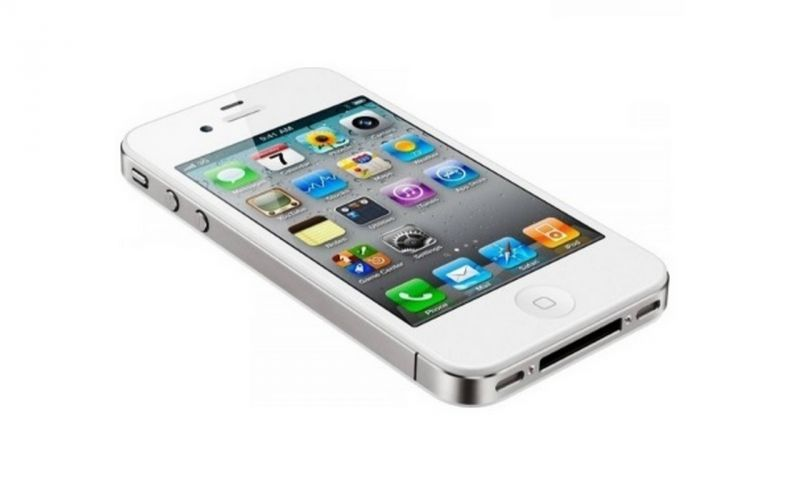2011: iPhone 4S – the phone which really broke all barriers for the company and introduced a slew of new features including SIRI, and a new 8MP iSight camera.