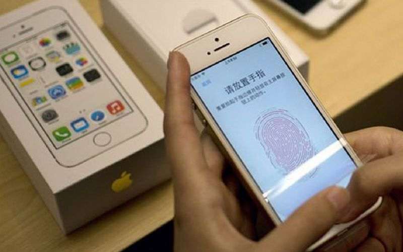 2013: Apple launched upgraded version of iPhone 5, the iPhone 5S, integrating fingerprint sensor in its home button. Later during the year, Apple unveiled cheaper and colourful version of iPhone 5S, the iPhone C. (Photo: AP)