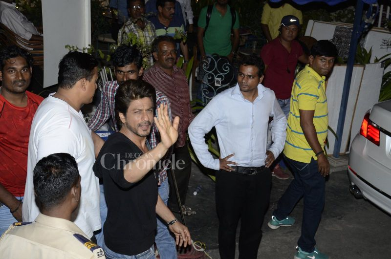 Shah Rukh Khan will be seen playing a tourist guide in the film, touted to be a romantic drama.