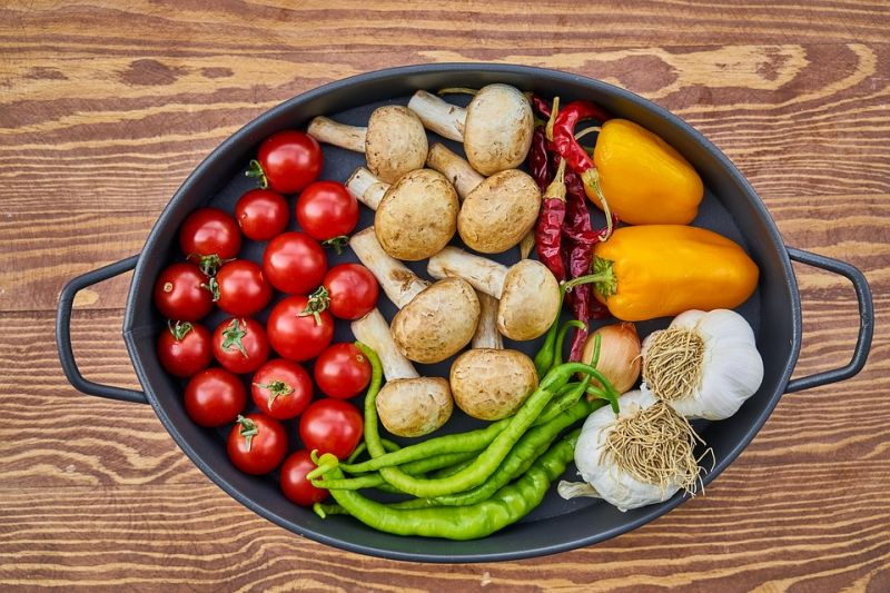 Low in calories and rich in nutrients, vegetables are one of the best foods we can eat when watching our waistlines.