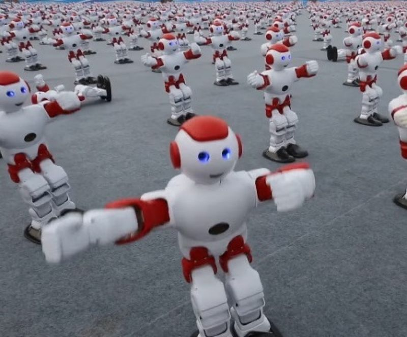 Robots able to perform different activities have been a rage for years now and the tech marvel for 2016 was 1,007 mobile controlled robots dancing at once in Shandong, China, setting a new world record (Photo: YouTube)