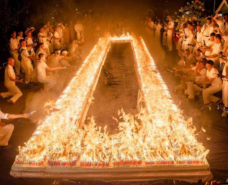 Candles placed on cakes might signify different things but members of the Shri Chinmoy Centre set the hottest and most spectacular world record this year with 72,585 candles burning at once for 40 seconds on a cake, we wonder what happened to the cake though (Photo: YouTube)