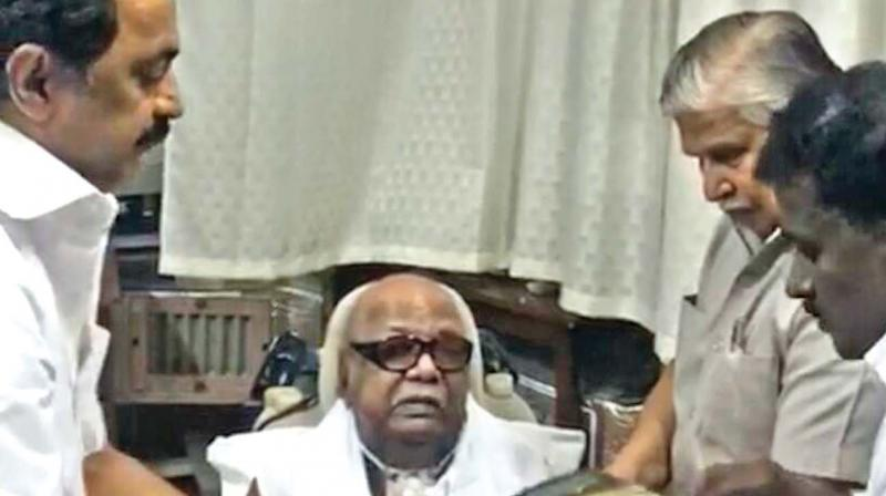DMK chief Karunanidhi turns 94