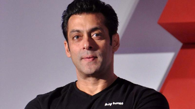 Salman Khan turns Hindi teacher for Zhu Zhu