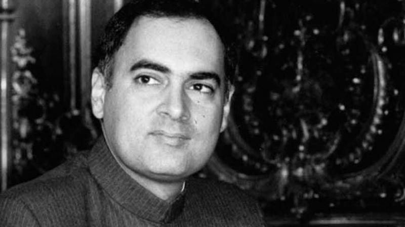 Rajiv Gandhi assassination : Who made and supplied the bomb ? SC asks Centre