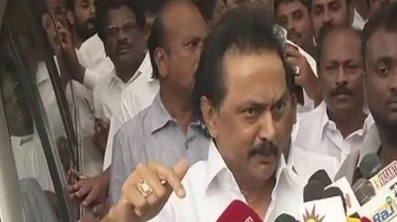 AIADMK crisis: Dinakaran moves HC, opposition parties meet President