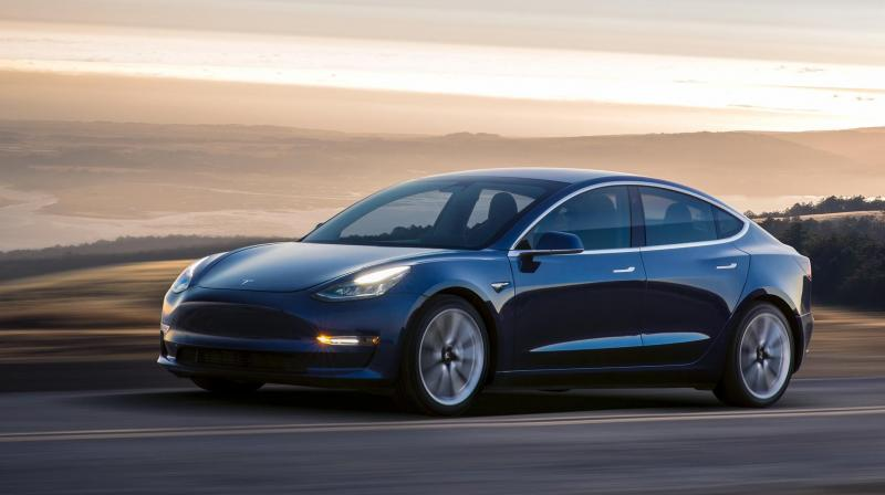 Tesla Averaging 1800 New Model 3 Reservations Per Day