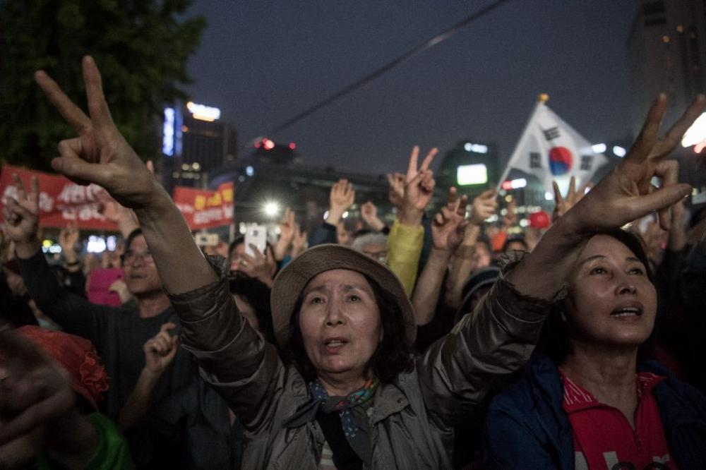 South Koreans went to the polls on Tuesday to choose a new president after Park Geun-Hye was ousted and indicted for corruption, against a backdrop of high tensions with the nuclear-armed North. (Photo: AFP)