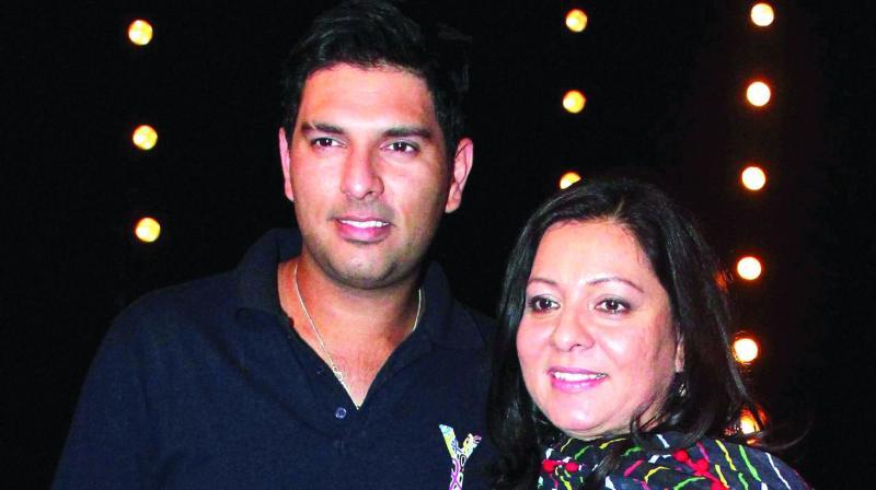 Yuvraj Singh with his mother Shabnam