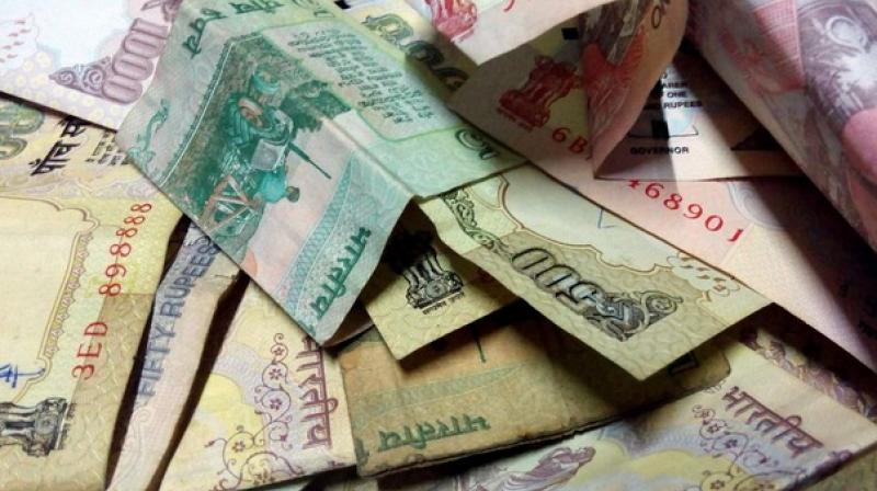 People can now make the payments of their ultility bills, like electricity, water and house tax, using high denomination bank notes of Rs 500 and Rs 1,000 up to November 14.