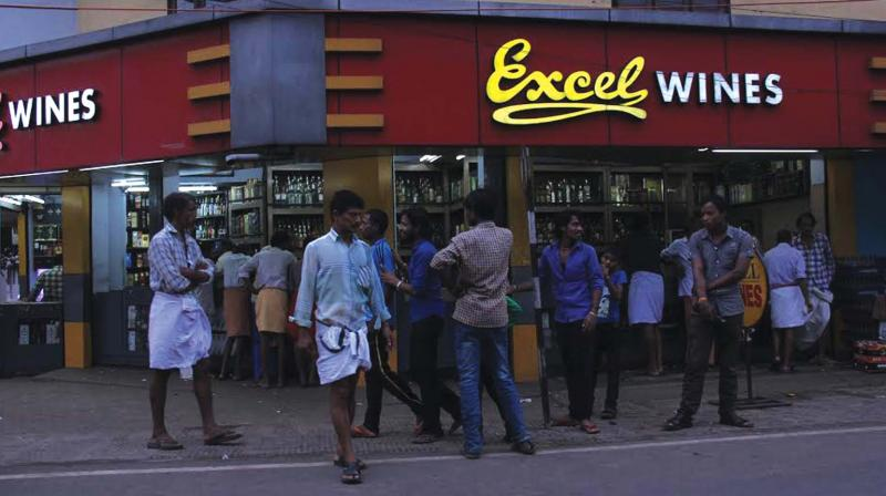 Kerala may reopen 700 bars in state in excise policy overhaul