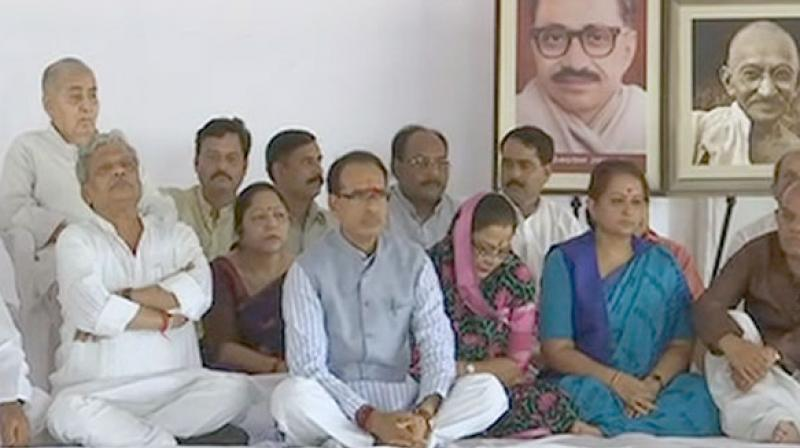 Shiv Raj Chouhan sits on fast in Bhopal 'for restoration of peace'