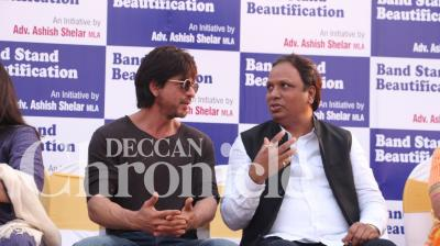 SRK comes out in support of Bandra Beautification Project. The star's mansion ' Mannat' is also located in the same area.